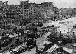 Берлин, 1945. Так заканчивают собиратели земель.