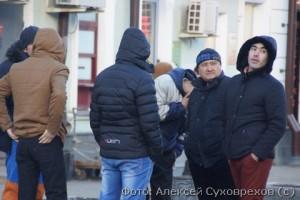 Озадаченные москвичи думают. что делать дальше