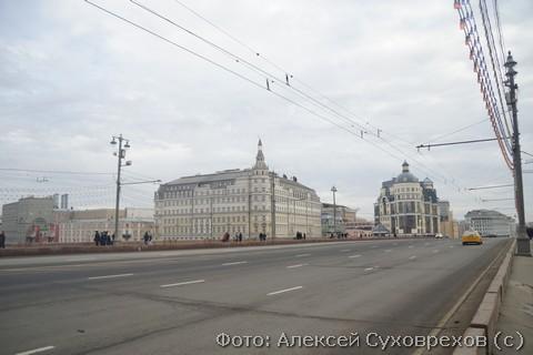Ближайшее здание к месту убийства Немцова