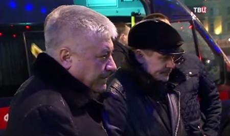 Высокое начальство на месте убийства Немцова